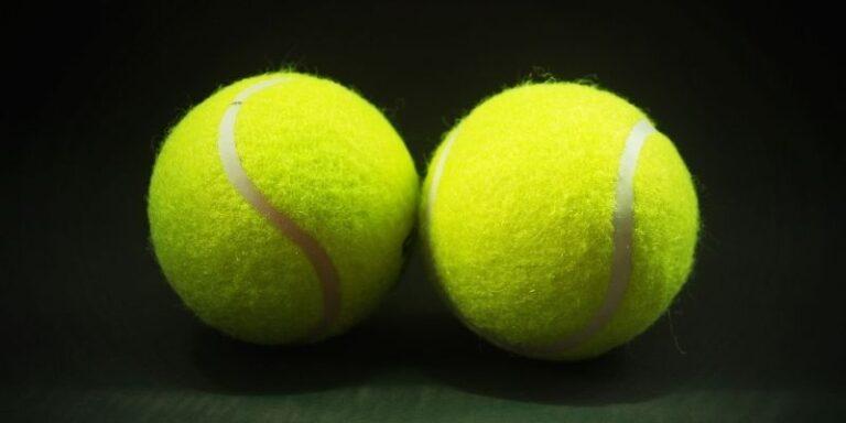 weight of tennis ball