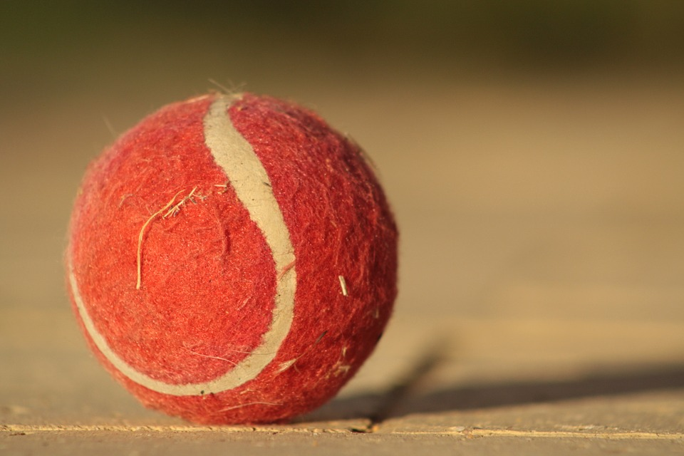red tennis ball